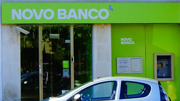 Novo Banco sale postponed.