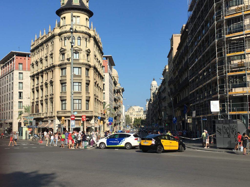 """Police perimeter in """"Las Ramblas"""", Barcelona."""