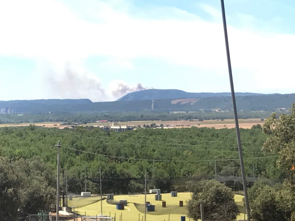 Smoke plume from the fire near Aix en Provence. Taken by Max Kaczor in Vinon sur Verdon.