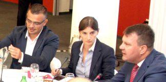 From left to right: Branislav Nedimovic, Ana Brnabic, Igor Mirovic. Photo by:mediaportal.vojvodina.gov.rs.