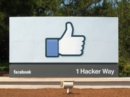 Facebook headquarters entrance sign in Menlo-Park-vianews.
