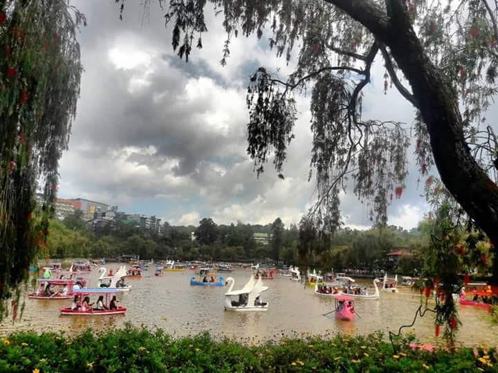 Philippines-Burnham Park-vianews
