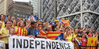"New York protest ""Holding hands for Catalan independence"". Photo by: Liz Castro."