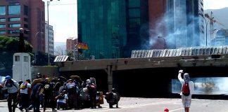 Police clashes at Puente de Las Mercedes. 2017. Photo by: Jamez42.