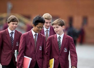 Sutton Grammar School. Lower school pupils. Photo by: Grempletonian.