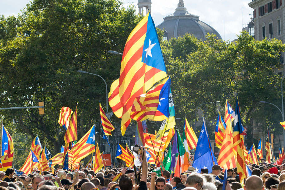Pro-Catalan Independence flags. Photo by: Evan McCaffrey.