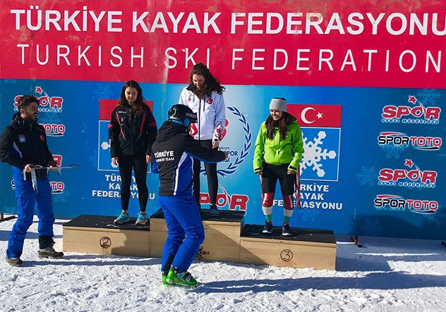 Aanchal Thakur. India's first International Medal in Ski competition. Photo by the official Aanchal Thakur's Instagram account.