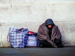 Homeless man in the the UK. Photo by: Garry Knight.