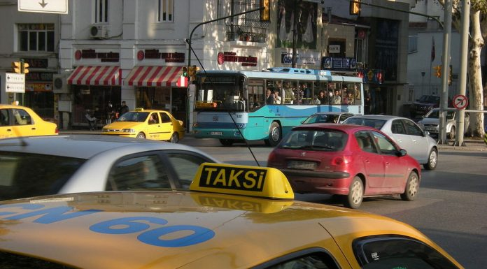 Taxi in Istanbul, Turkey. Photo by: Leandro Neumann Ciuffo.