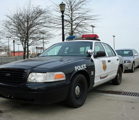 Cleveland, Ohio Police car. Photo by: Whpq.