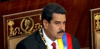 Nicolas Maduro assuming office. Photo by: Cancillería del Ecuador.