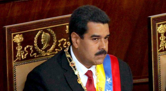 Nicolas Maduro assuming office. Photo by: Cancillería del Ecuador.