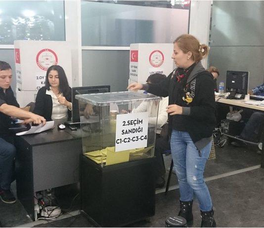 Airport ballot box in Ataturk, Turkey. Photo by: Sakhalinio.