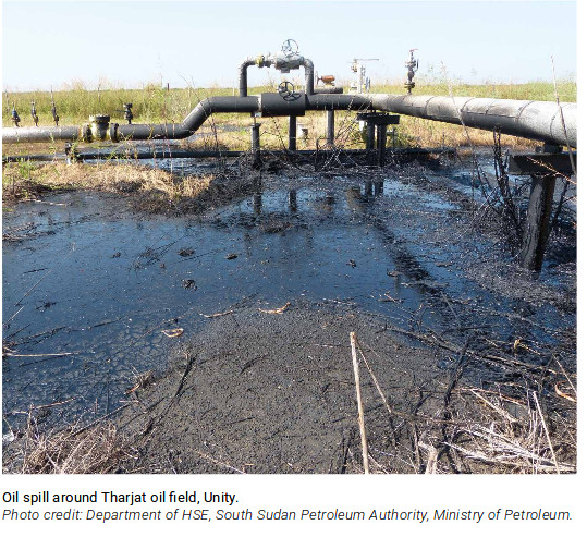 Oil spill in Tharjat oil field, South Sudan. Photo by: Department of HSE, South Sudan Petroleum Authority.