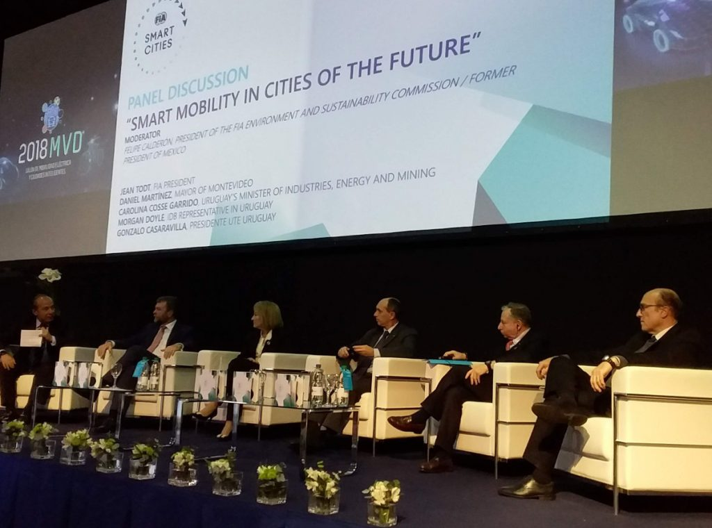 "Panelists at the ""Smart Mobility in the Cities of the Future"" talk. 2018 FIA Mobility Conference in Uruguay. Photo by: Cecilia Demartini."