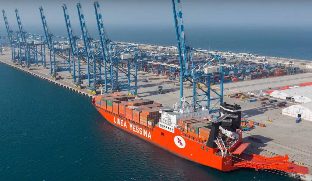 Gwadar Port is the largest Deep Sea Port in the World. Pakistan has agreed on a collaboration with China to turn Gwadar into a full-scale commercial port, being a key element of the greater China-Pakistan Economic Corridor (CPEC). Photo by: Express.