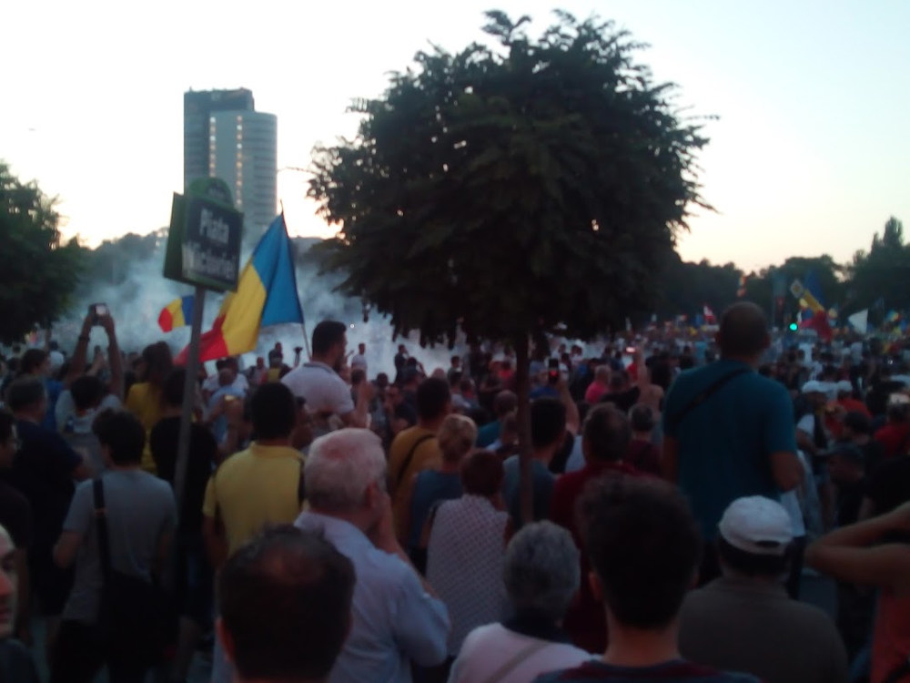 Victory square protests against curruption in Bucharest, Romania. Photo by: Dragos Bejinaru.