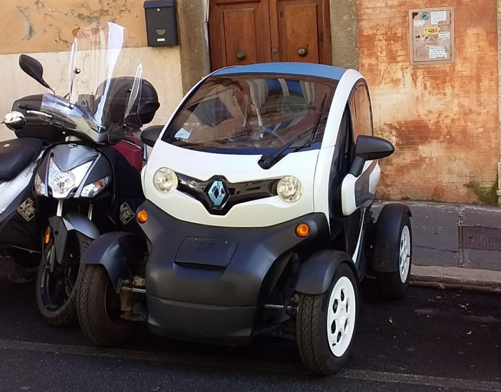 Electric Cars in Rome. Photo by Cecilia Demartini.