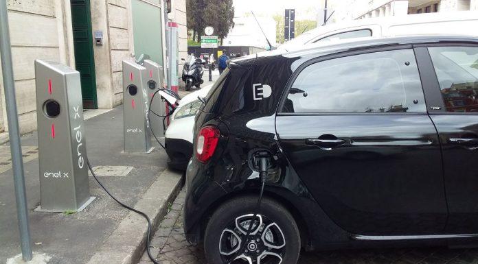 Electric car charging (Rome). Photo by Cecilia Demartini.
