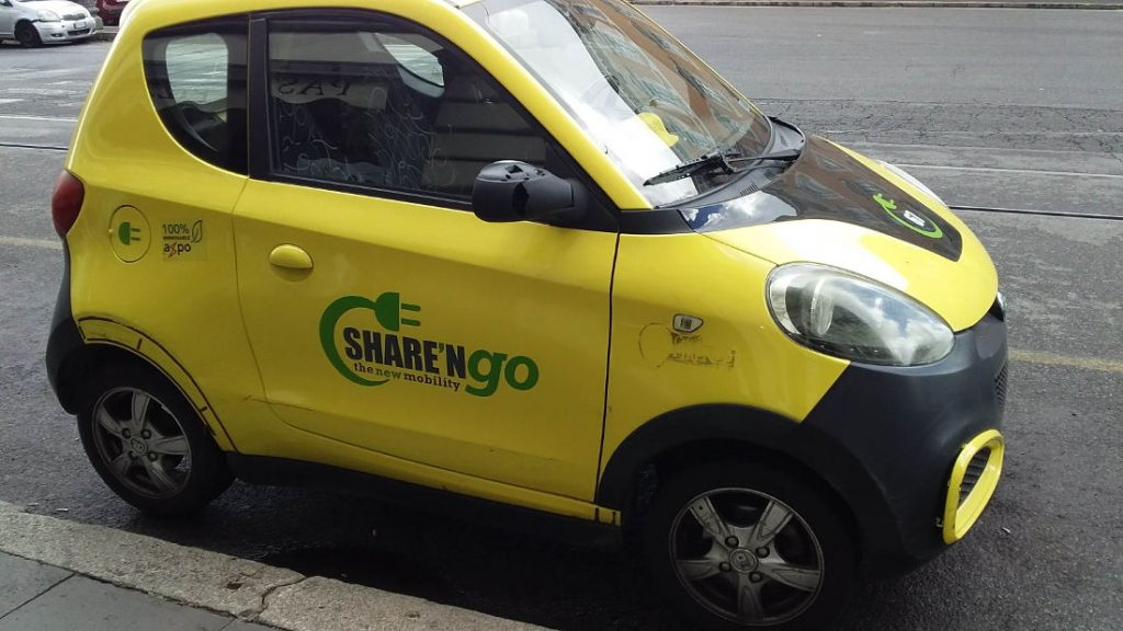 Share'n go electric car in Rome. Photo by Cecilia Demartini.