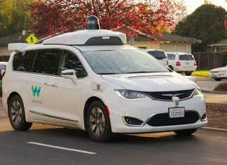 Autonomous Waymo Chrysler Pacifica Hybrid minivan undergoing testing in Los Altos, California. Photo by: Dllu.