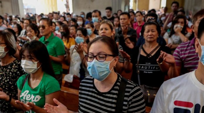 People wearing masks in the Philippines amid the coronavirus epidemic. (Photo by Vaticanews)