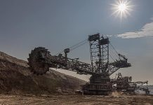 Open pit mining, carbon, brown coal, industry. Image with Public Domain Certification.